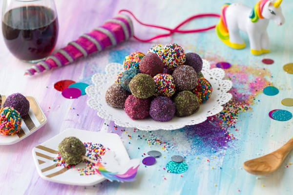Vegan Chocolate Truffles (With Manischewitz Red Wine!) Only 3 ingredients, easy and pretty!