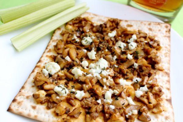 Buffalo Mushroom Matzah Pizza