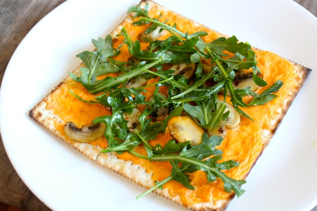 roasted red pepper and arugula matzo matzah pizza flatbread